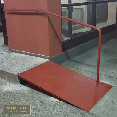 spusten-ivicnjak-pprilaz-za-invalidska-kolica-izrada-metalne-konstrukcije